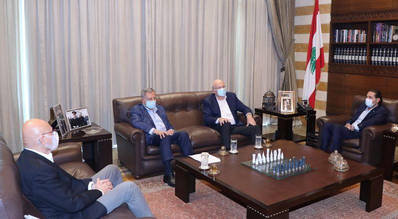 Lebanese former prime ministers meet in Beirut