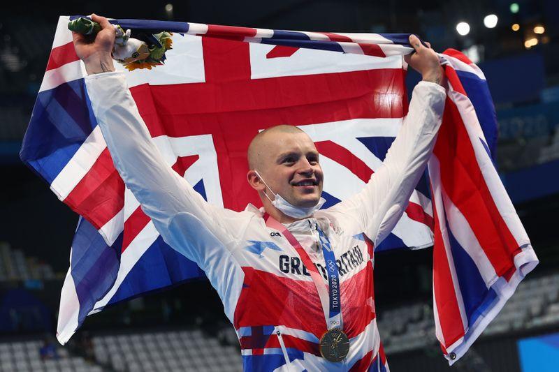 Swimming - Men's 100m Breaststroke - Medal Ceremony